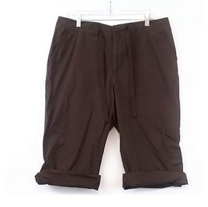 St. John's bay stretch brown cargo Capri pants